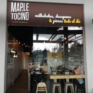 Maple y Tocino