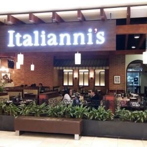 Italianni's (Miraflores)