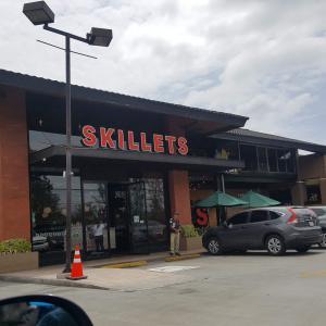 Skillets (Vista Hermosa)