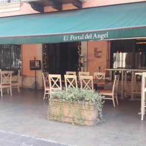 El Portal del Angel (Fontabella)