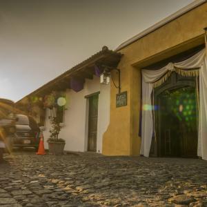 Porta Antigua Los Moros