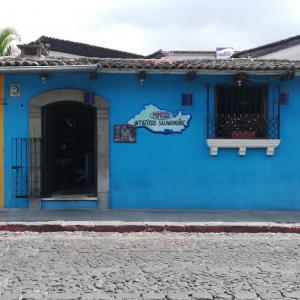 Antojitos Salvadoreños