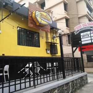 Cuatro & Maracas (Food Bazaar)