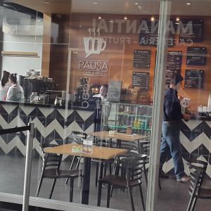 Pausa Café And Deli