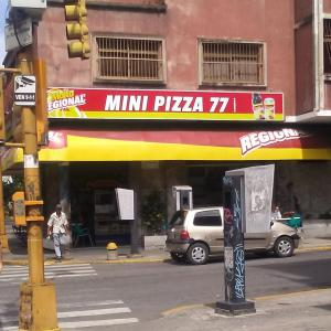 Mini Pizza 77