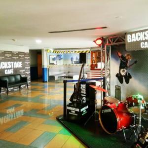 Backstage Café