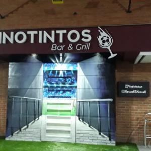 Vinotintos Bar and Grill